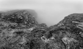 Северная накидка Nordkapp, северная Норвегия на тяжелый туманный день Стоковые Фото