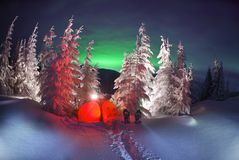 Северное сияние в горах Стоковые Фото