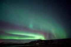 Северное сияние в Исландии стоковые изображения
