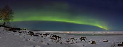 Северное сияние над Lake Ladoga Россией стоковое изображение rf