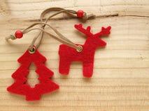 Северный олень и рождественская елка Стоковая Фотография