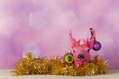 Северный олень рождества с орнаментами стоковые изображения rf