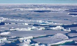 Северный полюс 2016 Лед и отверстия на параллели 84-88 Стоковое Изображение