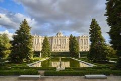 Северный фасад королевского дворца madrid Испания стоковые фотографии rf