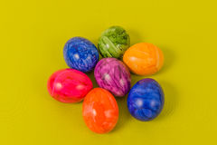 Сезонные - пасха - покрашенные яичка Стоковая Фотография