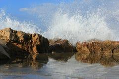 Сезон больших волн на море Стоковая Фотография RF