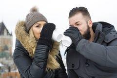 Сезон зимы 2 друзей Стоковое Фото