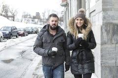 Сезон зимы 2 друзей Стоковые Изображения