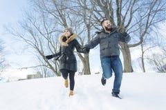 Сезон зимы 2 друзей Стоковое Изображение