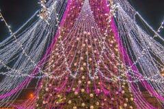 Сезон рождества, дерево с загоренными светами стоковые изображения