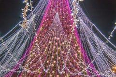 Сезон рождества, дерево с загоренными светами стоковое изображение