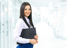 секретарша женщины с документами Стоковые Фото