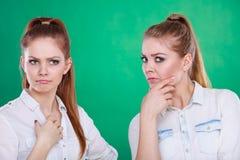 2 секрета долей подростков, сплетня Стоковое Фото