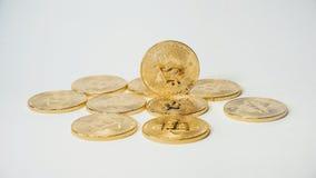Секретное золото Bitcoins валюты - BTC - монетка бита Монетки Bitcoin валюты съемок макроса секретные Стоковые Изображения RF