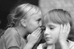 Секретный переговор ` s детей стоковые фотографии rf