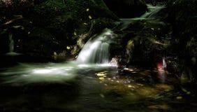 Секретный шотландский водопад Стоковое фото RF