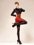Сексуальная женщина одела шикарное делающ всход способа Стоковые Изображения RF