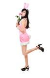 Сексуальная роза пинка владением девушки зайчика Стоковое Изображение