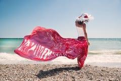 Сексуальная девушка на пляже Стоковые Фото