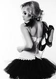 Сексуальная девушка танцора балерины с светлыми волосами в роскошных танцах одевает Стоковая Фотография RF