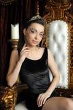 Сексуальная женщина в кроне Стоковые Изображения RF