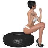 Сексуальная женщина представляя с колесом Стоковая Фотография