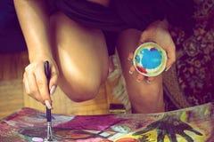 Сексуальная картина девушки на холсте Стоковое Фото