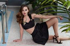 Сексуальная мода стиля deress красоты женщины Стоковые Изображения RF