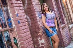 Сексуальная фотомодель девушки с коричневыми волосами Стоковое Фото