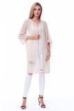 Сексуальное милое beig носки представления очарования светлых волос фотомодели женщины Стоковые Фотографии RF