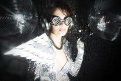 Сексуальный танцор диско в костюме решителя Стоковое фото RF
