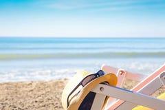 Селективный фокус шезлонга пляжа Стоковое фото RF