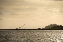 сели на мель яхта Стоковые Изображения RF
