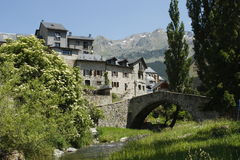 село долины tena pyrenees sallent моста Стоковая Фотография