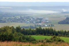 село лета горы ландшафта сельской местности Стоковое фото RF
