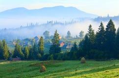 село лета горы ландшафта сельской местности Стоковые Фото