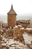 село Мали зернохранилища dogon Африки Стоковые Изображения RF