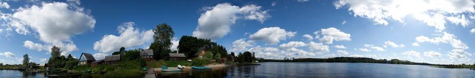 Село панорамы озера Стоковая Фотография
