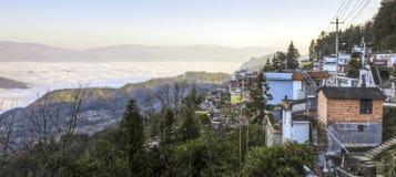 село светлого утра малое стоковые фото