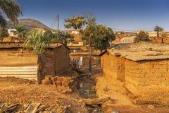 Сельская и плохая деревня удаленной Анголы, Ndalatando вышесказанного стоковое фото rf