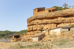 Сельские хижины на Barranco de Санта Agueda - пригороде городка Jaraba стоковые изображения rf