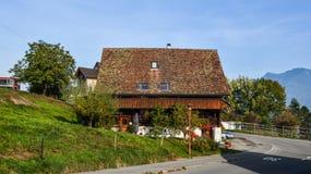 Сельский дом в Luzern, Швейцарии стоковые изображения rf