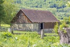 Сельский пейзаж с амбаром Стоковые Изображения RF