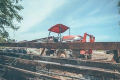 Сельскохозяйственная техника Элементы и части агро-технологии Крупный план трактора стоковая фотография