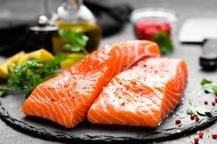 Семги семги рыб свежие Сырцовое salmon филе рыб Стоковая Фотография