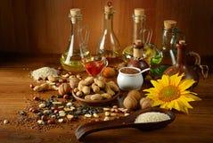 Семена и масла натюрморта полезные для здоровья Стоковые Изображения