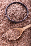 Семена льна разбросаны Стоковые Изображения RF