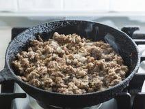 Семенить мясо зажарено в лотке стоковые фотографии rf