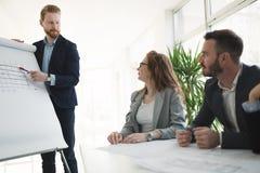 Семинары и деловые встречи в офисе компании Стоковое Изображение