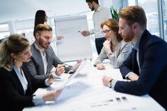 Семинары и деловые встречи в офисе компании Стоковые Фото